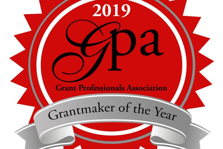 Seal for 2019 Grantmaker of the Year Award from Grant Professionals Association